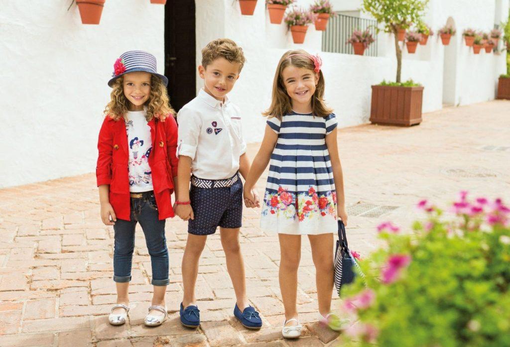 Как выбрать одежду для детей: ассортимент, особенности выбора по различным критериям, преимущества