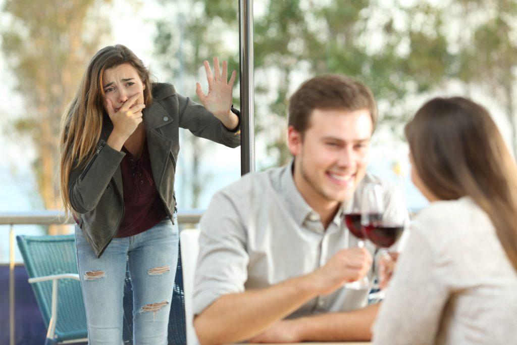 Как узнать, что ваш муж или парень вам изменяет с другой?